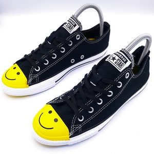 Converse Chuck Taylor low Smiley Face Size 5Y